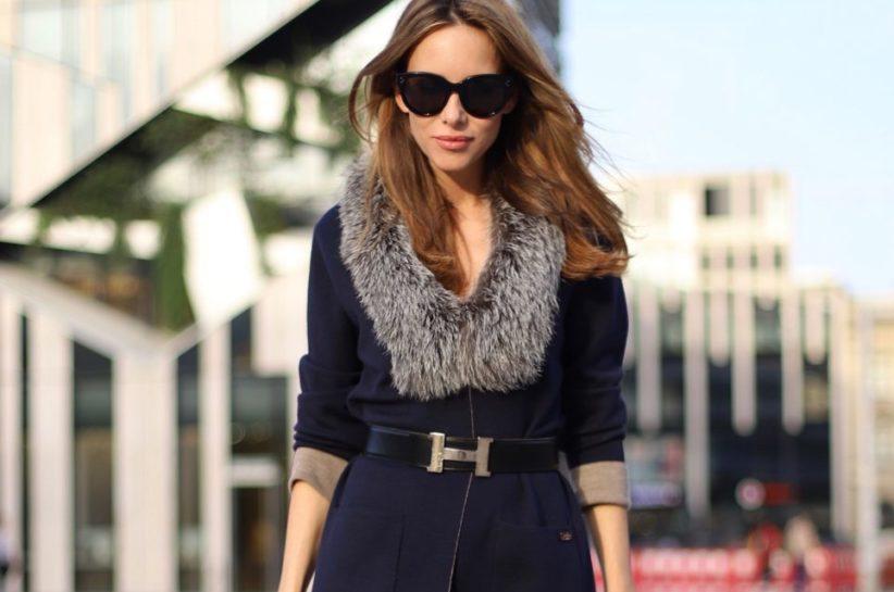 Alexandra Lapp trägt einen AIRFIELD Cardigan