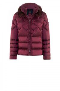 Diana-Jacket in Bordeaux-Rot um € 599,–
