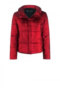 Diana-Jacket in Bordeaux-Rot um € 599,–
