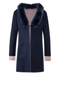 Two-Tone Wollcardigan mit Fake-Fur-Kragen um € 599,–