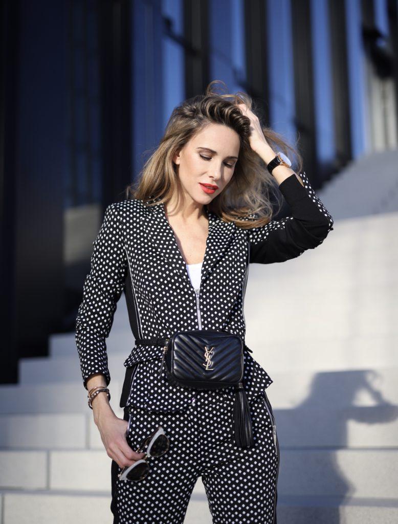 Alexandra Lapp in AIRFIELD Mode