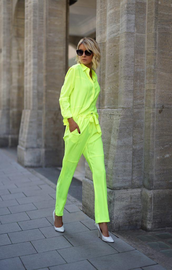 Gitta Banko in AIRFIELD Fashion