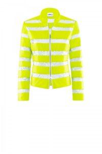 Taillierte Jacke im Streifen Look um € 399,–